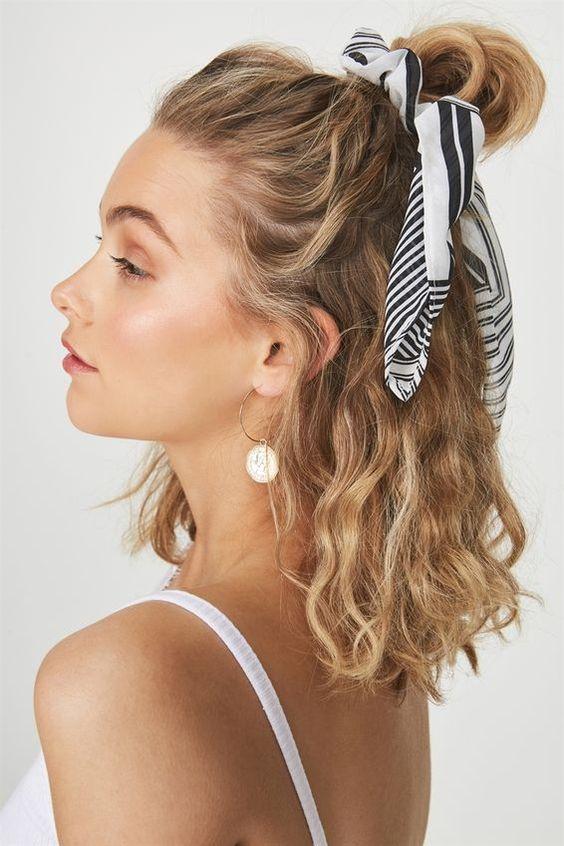 hajcsat kendők hajviselet hajkiegészítők frizura 2019 trendek